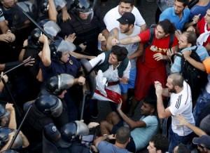 منظمون: تأجيل احتجاج في لبنان بعد اشتباكات في بيروت